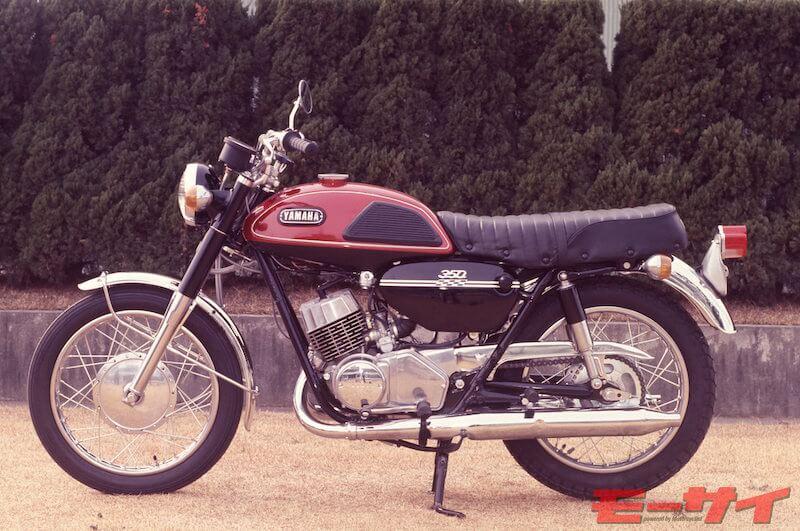 YR2の国内版として1969年から発売されたスポーツ350R3