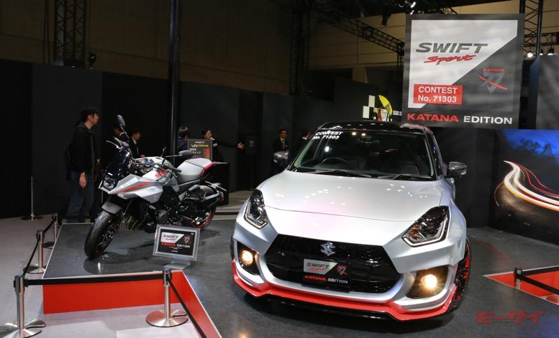 スズキがオートサロンで公開したスイフトスポーツ カタナエディションとカタナ。