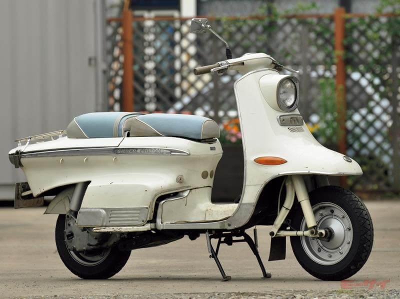 1963年シルバーピジョンC240。2サイクル2気筒143cc、最高出力9.2ps/7500rpm、最高速100km/h