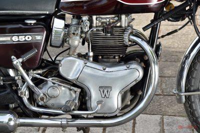 カワサキ 650RS W3 エンジン