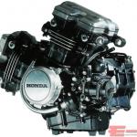 VF750 エンジン