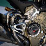スーパーレッジェーラV4 エンジン